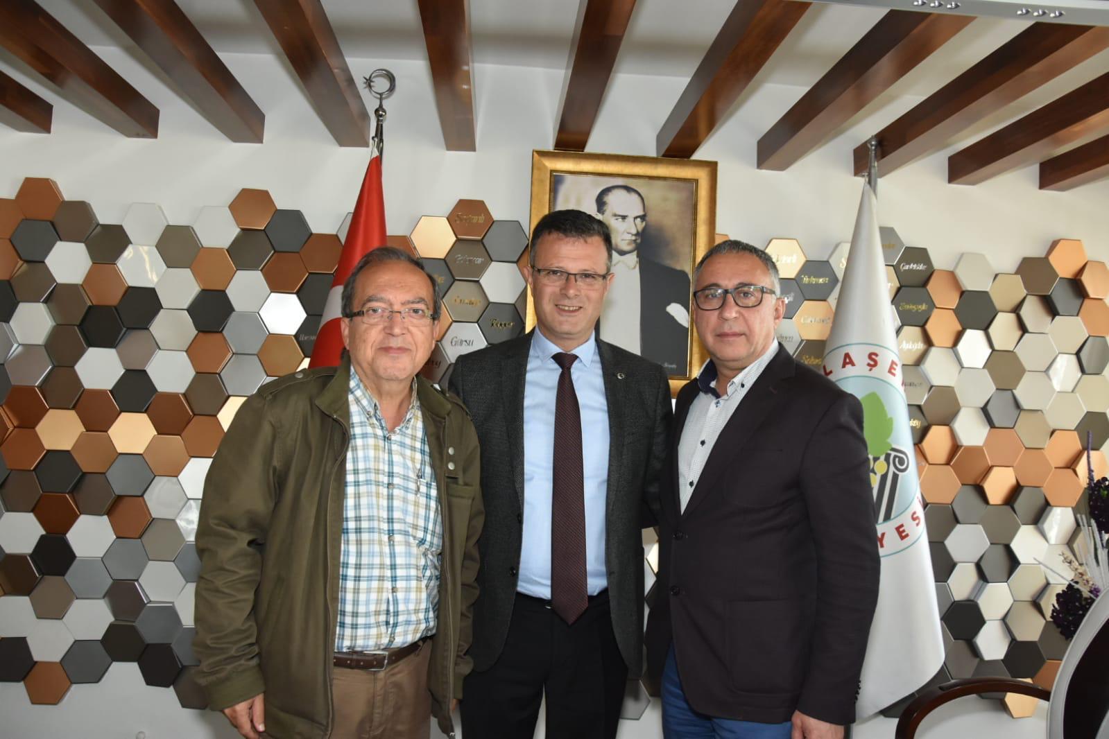 Mehmet Şakir Örs, Ahmet Öküzcüoğlu (Alaşehir Belediye Başkanı), Ahmet Akgündüz (CHP Alaşehir İlçe Başkanı)