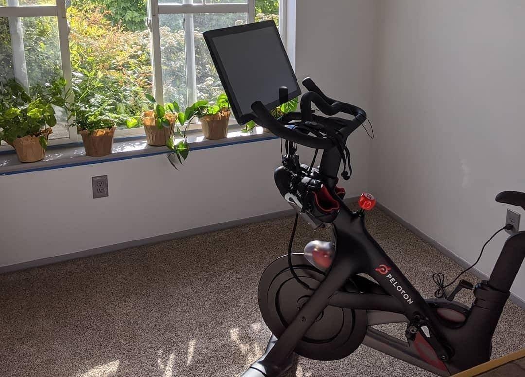 peloton-bike-3.jpg (1080×776)