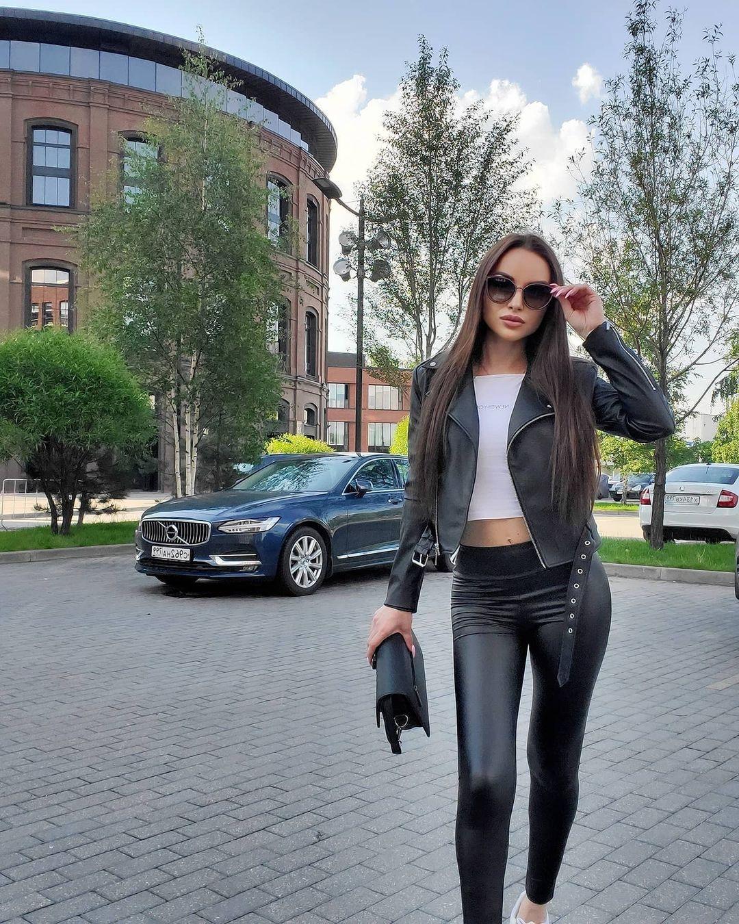 Aleksandra-Dontsu-Wallpapers-Insta-Fit-Bio-7