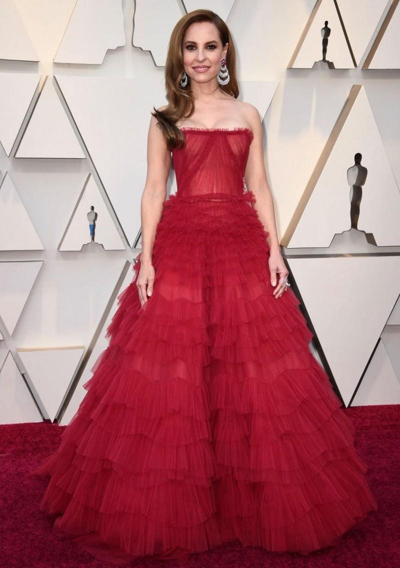 Najlepša haljina crvenog tepiha - Page 30 1-Marina-de-Tavira