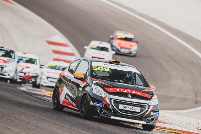 Retour En Piste Pour La Cmpetition Clients De Peugeot Sport... 48774494538-53d127e620-o