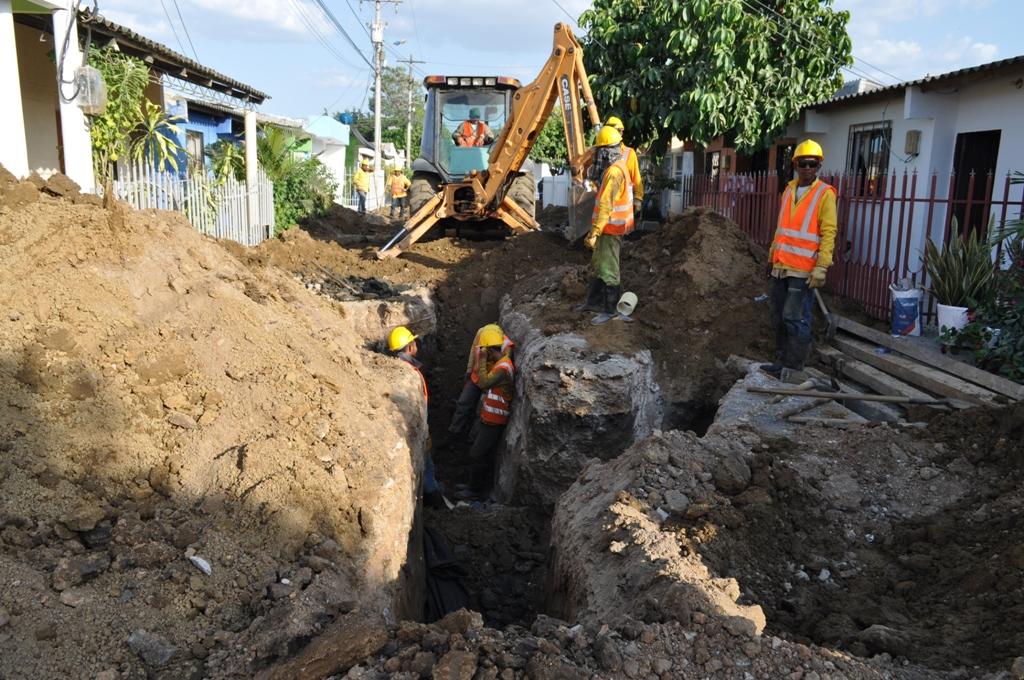 Renovación y extensión de redes de alcantarillado sanitario en Montería - Noticias de Colombia