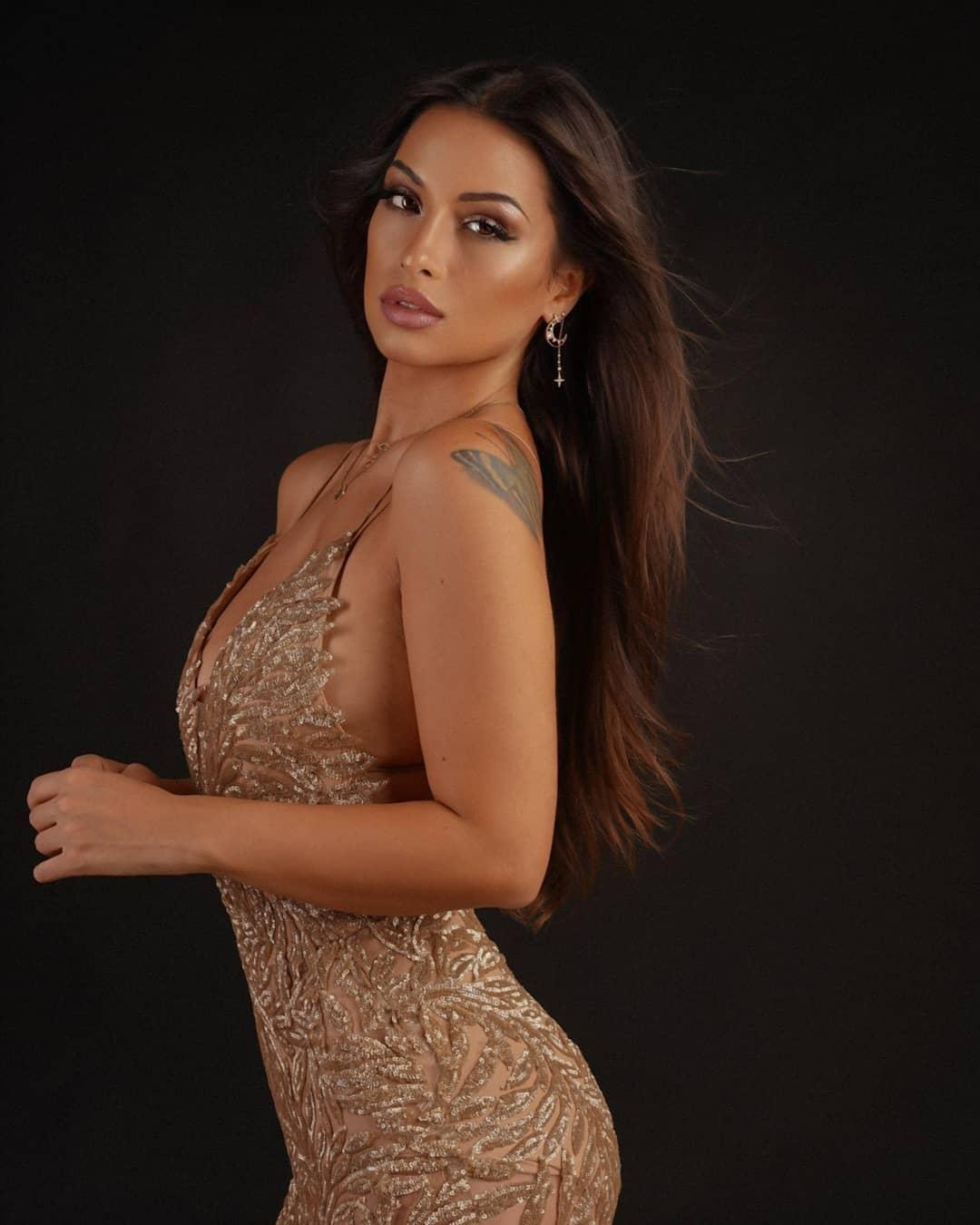 Alessia-Spagnulo-Wallpapers-Insta-Fit-Bio-2