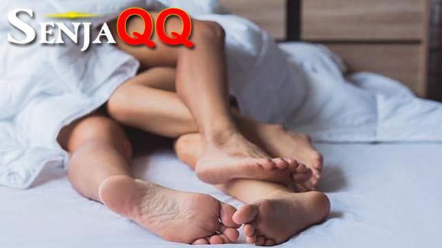 Seks Saat Haid, 7 Cara Memuaskan Suami Tanpa Hubungan Intim
