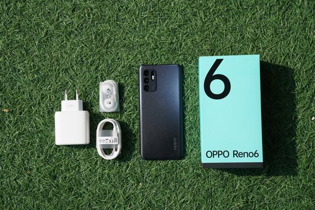 OPPO-Reno6-3