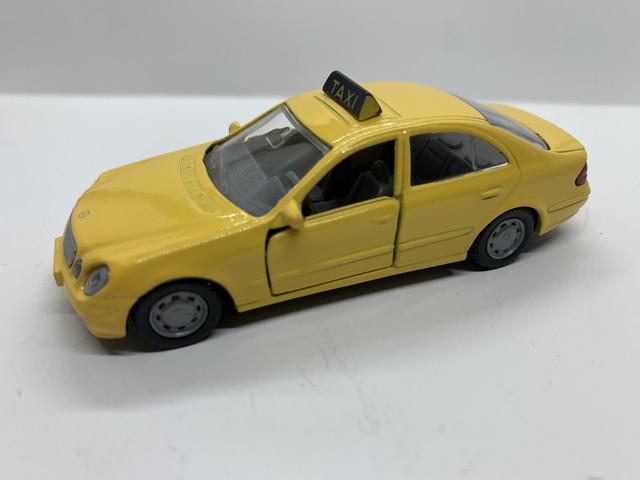 taxi's / schoolbus / limousine