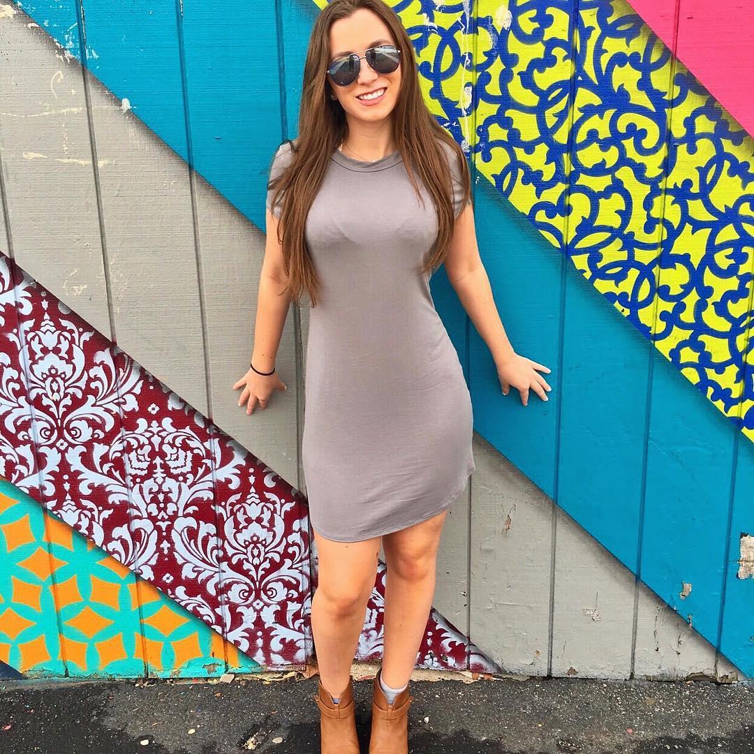 Ashley-Schwartz-Wallpapers-Insta-Fit-Bio-2