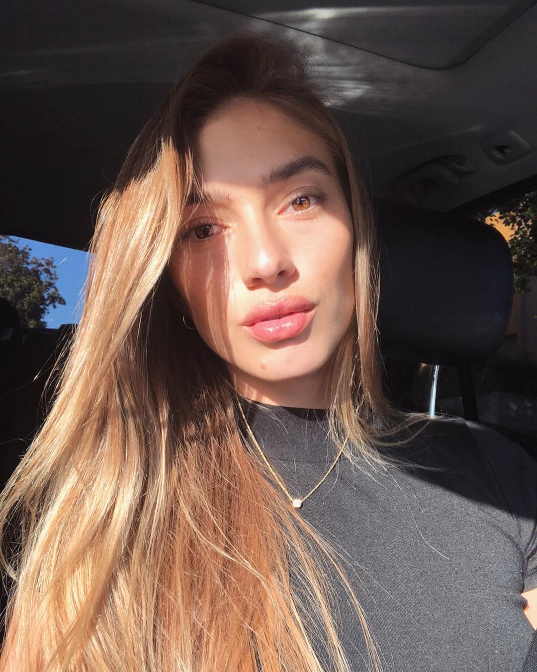 Olivia-Karina-2