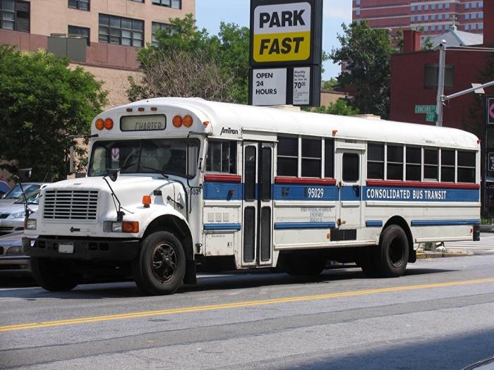 Зачем нужна желтая веревка в автобусах США