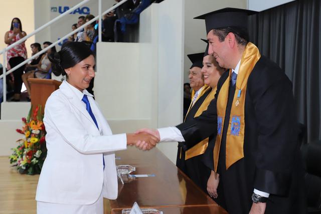 Graduacio-n-Medicina-156
