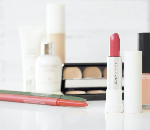https://i.ibb.co/BBkc865/8-sale-own-brand-skin-care-products.jpg