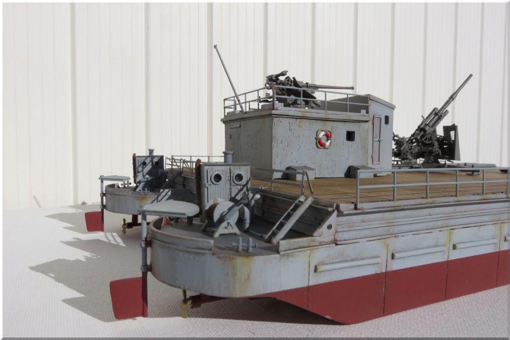 Barge allemande de débarquement SIEBELFAERHRE 40 Maquette résine DELPHIS MODELS au 1/72eme Siebelfaehre-02