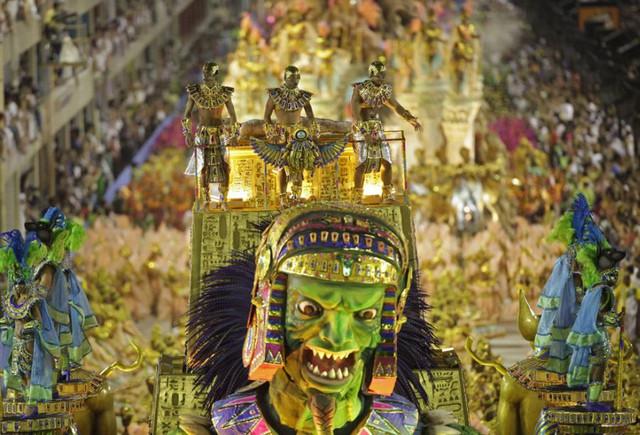 Brazil-Carnival-18