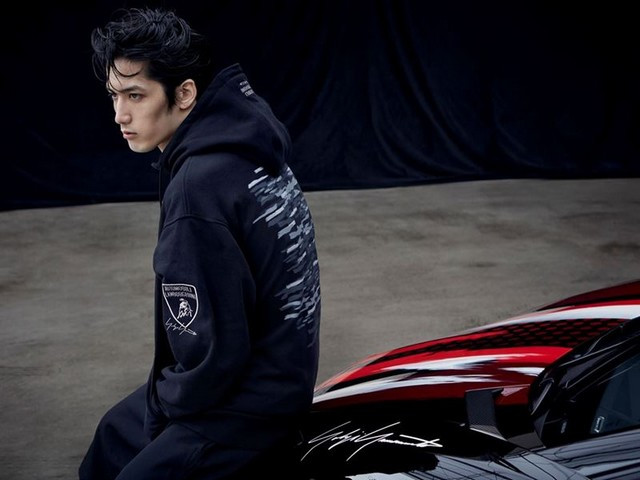 Automobili Lamborghini et Yohji Yamamoto célèbrent l'inauguration du Lamborghini Lounge Tokyo et du Studio Ad Personam 571409-v2