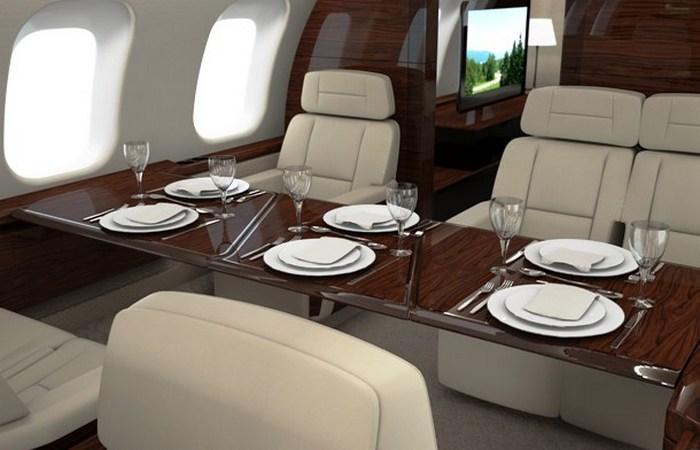 Частный самолет Bombardier Global 8000.