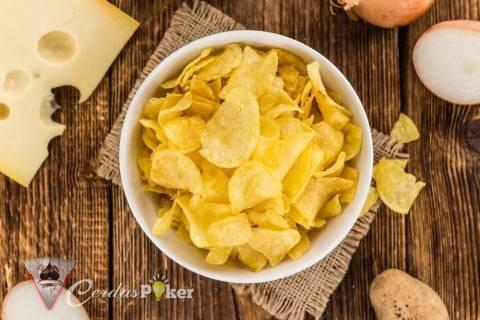 6 Makanan Penyebab Kulit Berminyak dan Berjerawat