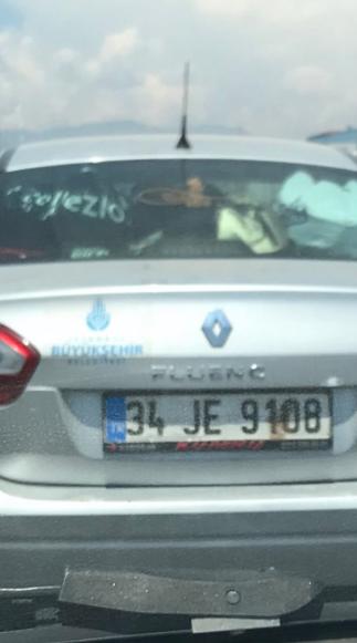İstanbul Büyükşehir Belediyesi logolu araç Antalya'da