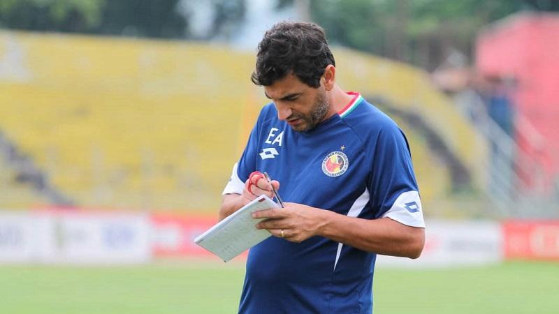 [Image: Eduardo-Resmi-Menjadi-Pelatih-Arema-di-L...im-Ini.jpg]