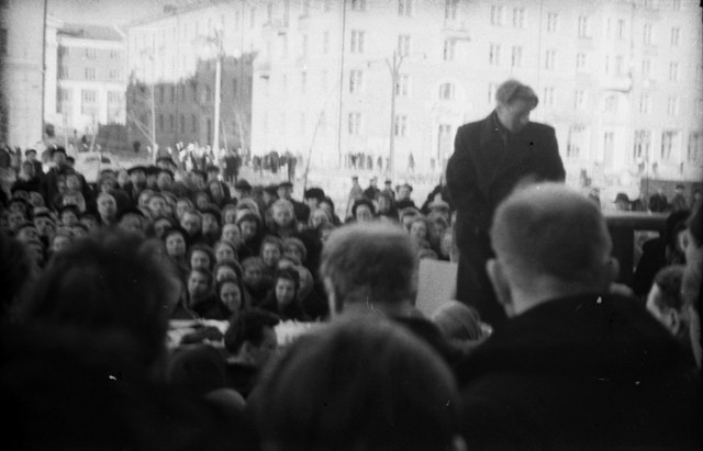 Dyatlov pass funerals 9 march 1959 05.jpg