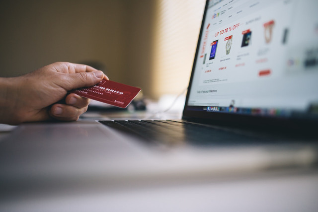 Five ways to improve e-commerce customer service