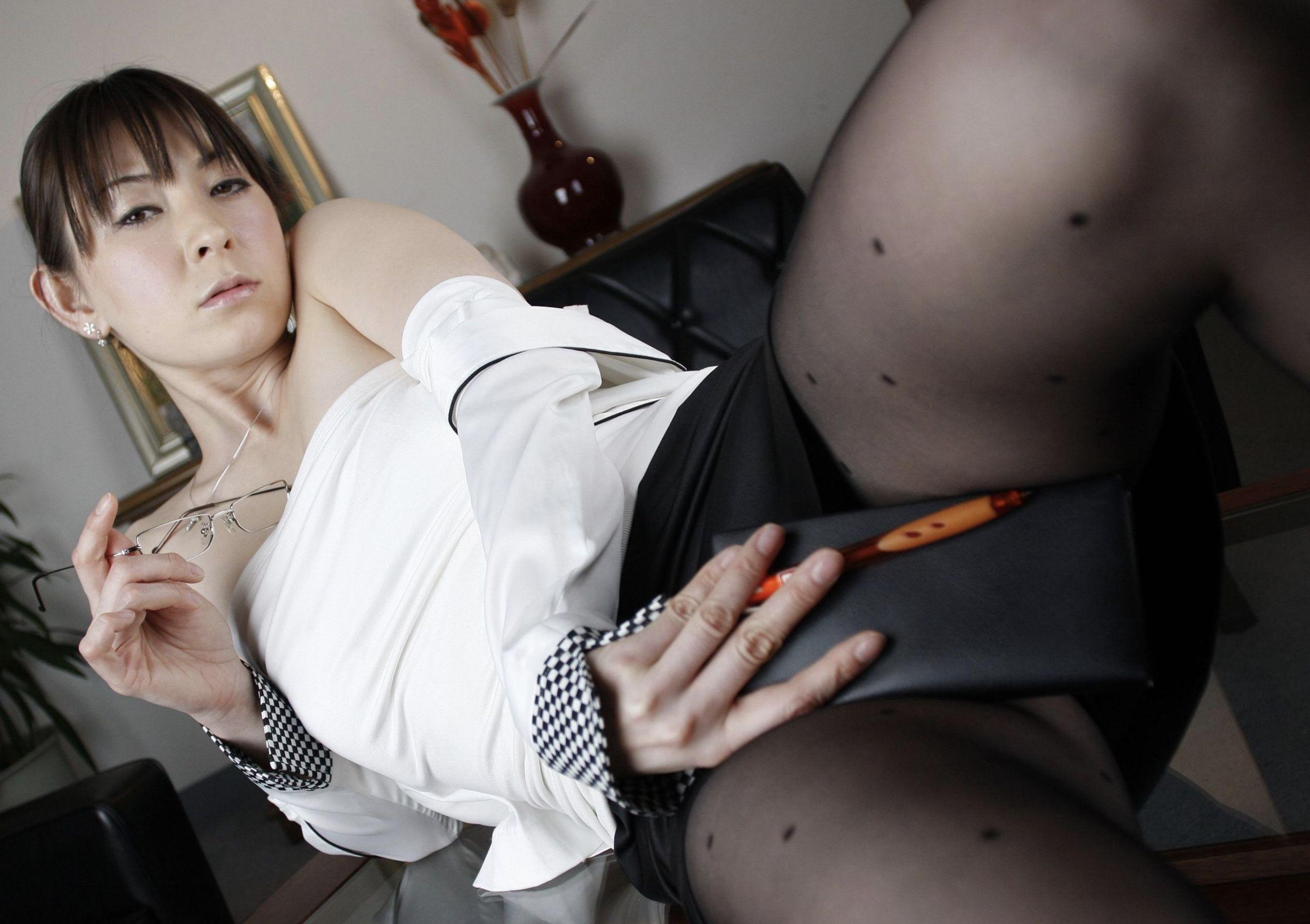 欲求不満の熟女教師 北条麻妃・柳田やよい・光月夜也 濃密グラビア写真集 090
