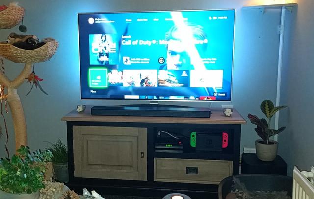https://i.ibb.co/BLRGk4L/Xbox-one-X-2.jpg