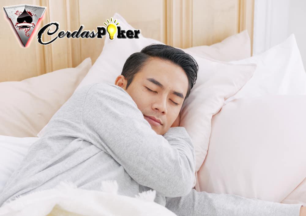 Benarkah Kurang Tidur Bisa Bikin Tekanan Darah Naik