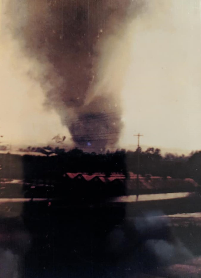 wheatland-tornado-2-mike-sisic.jpg