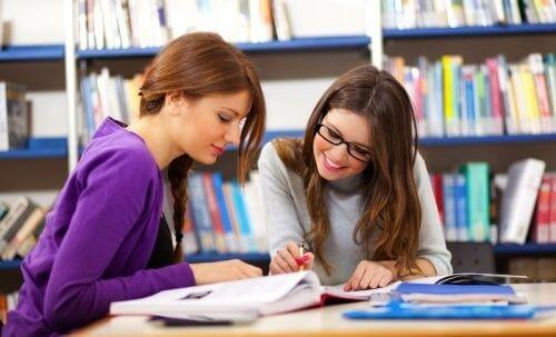 Học tiếng anh với người nước ngoài mang đến vô vàn lợi ích