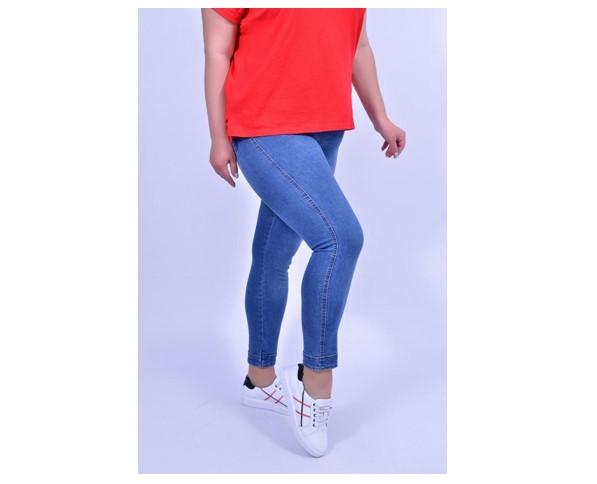 Жіночі джинси великих розмірів від українського виробника