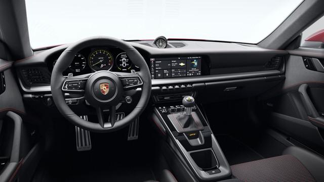 992-gt3-interior-1