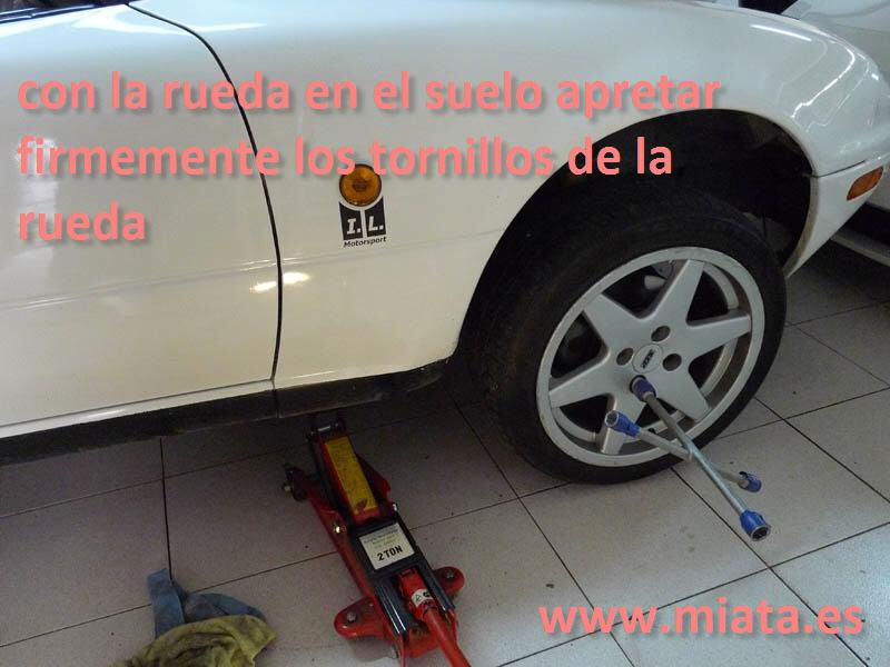 TUTORIAL DE COMO CAMBIAR EL EMPUJADOR HIDRAULICO DE LA LEVA DEL EMBRAGUE DEL MX-5/MIATA. 031