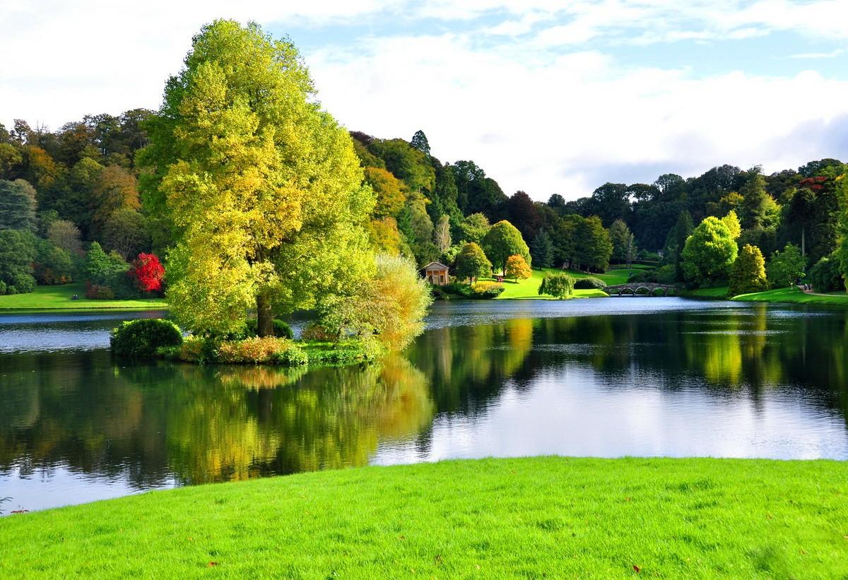 1-Pretty-Riverbank.jpg