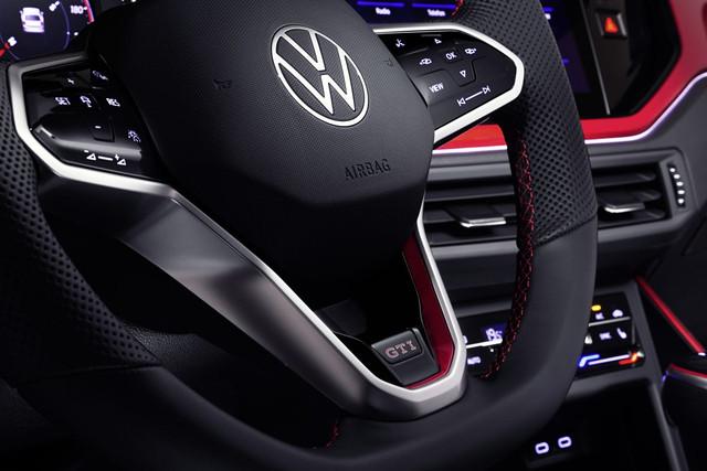 2021 - [Volkswagen] Polo VI Restylée  - Page 8 E07-A5926-A3-DB-4916-B338-1-E8-C34-DDE624