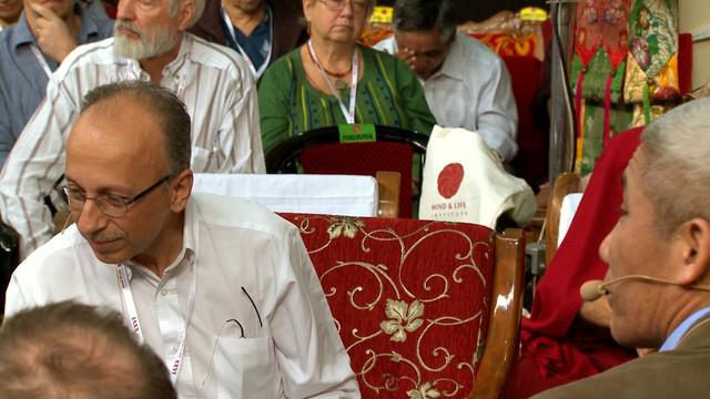 The-Dalai-Lama-Scientist-2019-1080p-WEBRip-x265-RARBG-mp4-snapshot-00-30-46-2021-05-07-17-57-56
