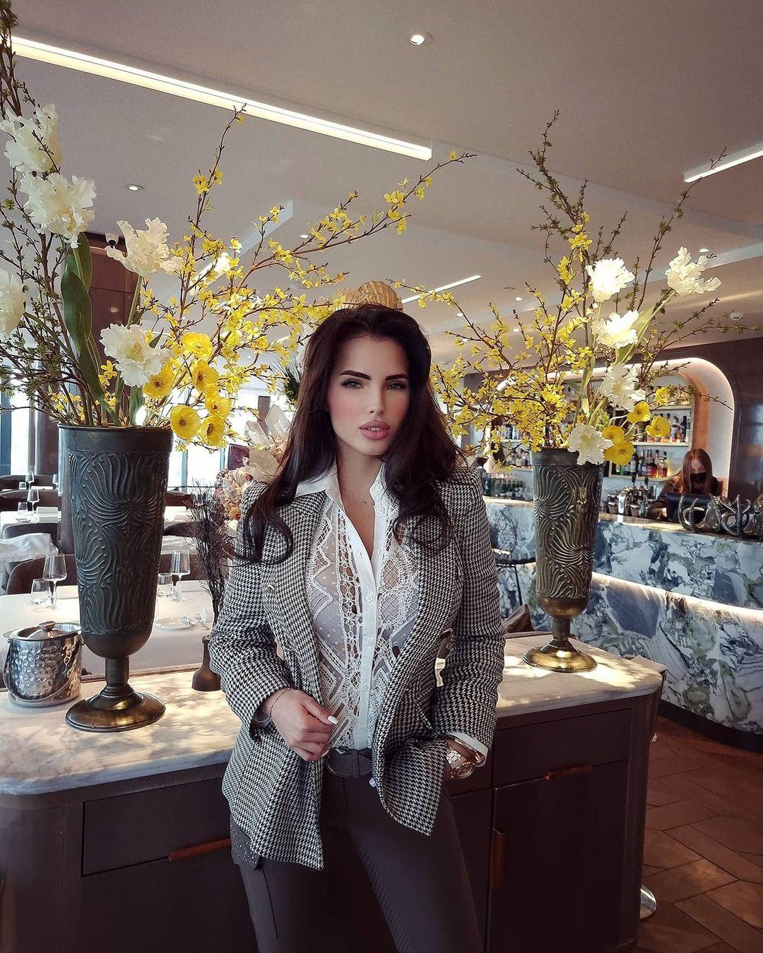 Elizaveta-Berejnaya-Wallpapers-Insta-Fit-Bio-Miss-elizabeth-sol-Wallpapers-Insta-Fit-Bio-5