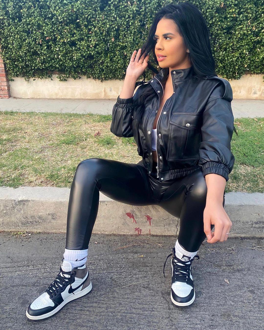 Nicole-Cruz-Wallpapers-Insta-Fit-Bio-8