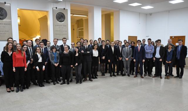 Les lauréats des concours administratifs 2018, réunis à Sciences Po le 3 décembre 2018