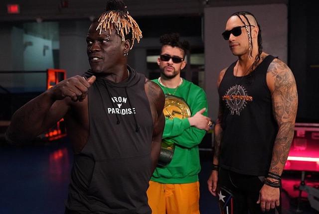 R-Truth amaga recuperar el Campeonato 24/7 a Bad Bunny RAW 22 Febrero