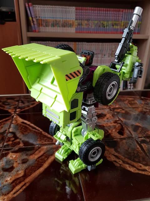 Scrapper-Robot-Rear