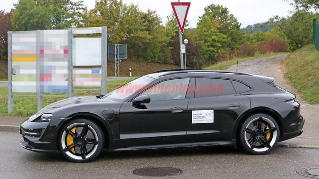 2020 - [Porsche] Taycan Sport Turismo - Page 2 BCE14-BA7-65-F2-45-AD-9-CE7-4-B83-AB5-DDD82