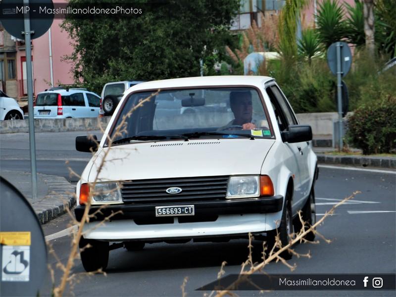 avvistamenti auto storiche - Pagina 38 Ford-Escort-1-1-82-CT566693
