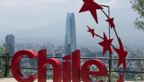 https://i.ibb.co/Btfw4cy/201126-Chile-ciudad-al-fondo.jpg