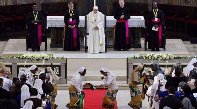 Papa-Francisco-Encuentro-Obispos-Sacerdotes-Edward-pentin-ACI-05092019