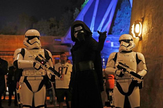 Star-Wars-Disney-Galaxy-Edge-80