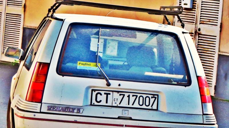 avvistamenti auto storiche - Pagina 39 Renault-Supercinque-GT-Turbo-1-4-116cv-86-CT717007-9
