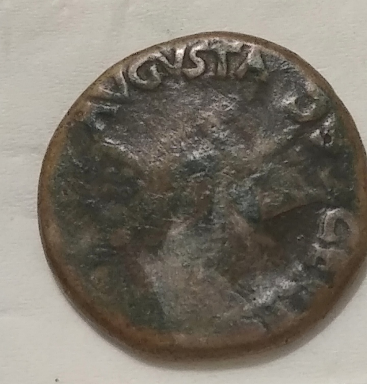 Dupondio de Claudio I. CERES AVGVSTA. Ceres sedente a izq. Roma IMG-20210327-030216