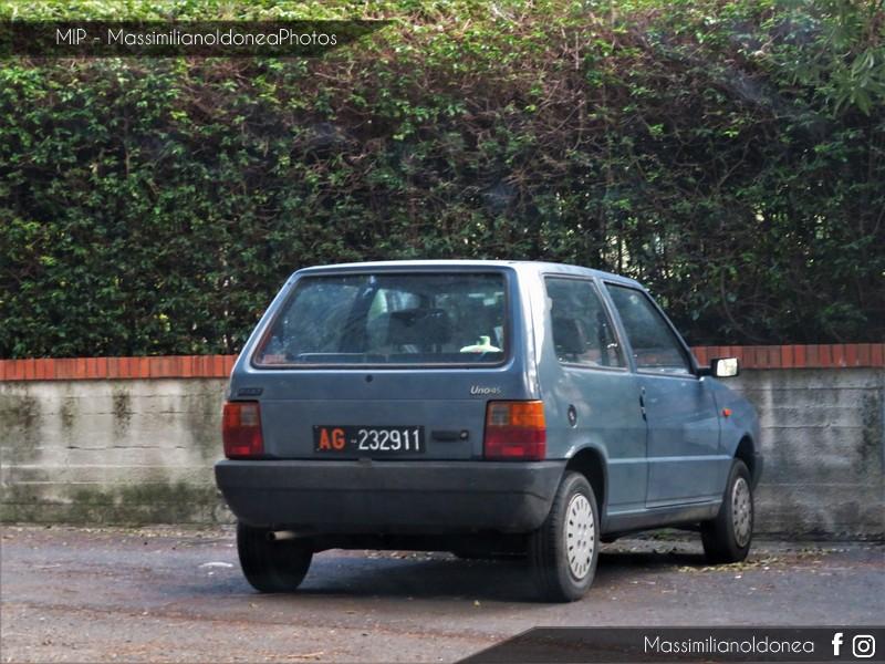 avvistamenti auto storiche - Pagina 13 Fiat-Uno-45-900-45cv-85-AG232911-57-529-7-8-2017