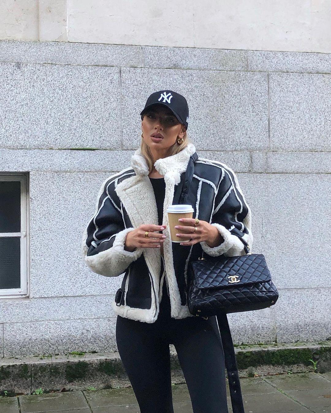 Jess-Hunt-Wallpapers-Insta-Fit-Bio-6