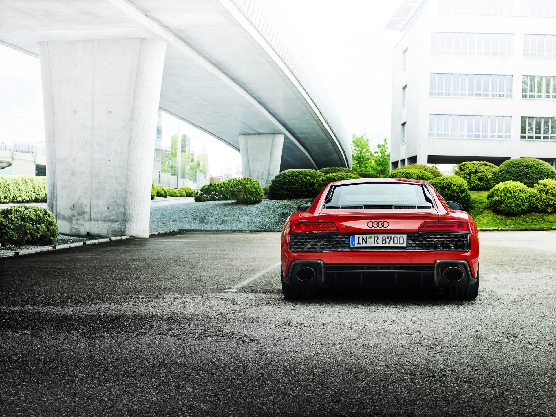 2022-Audi-R8-V10-Performance-RWD-12
